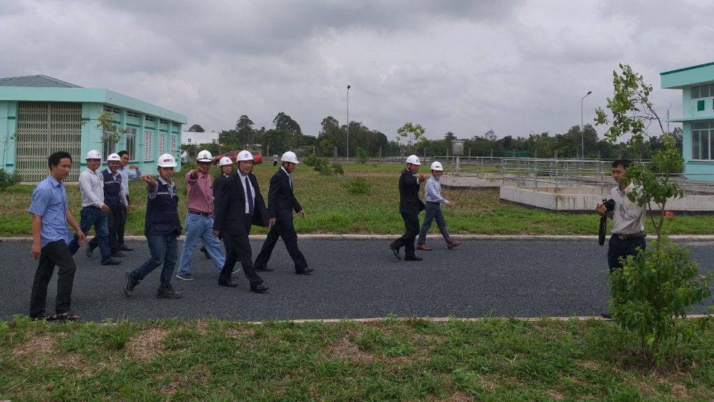 Công ty Koastal Eco Group hướng dẫn khách tham quan Nhà máy xử lý nước thải