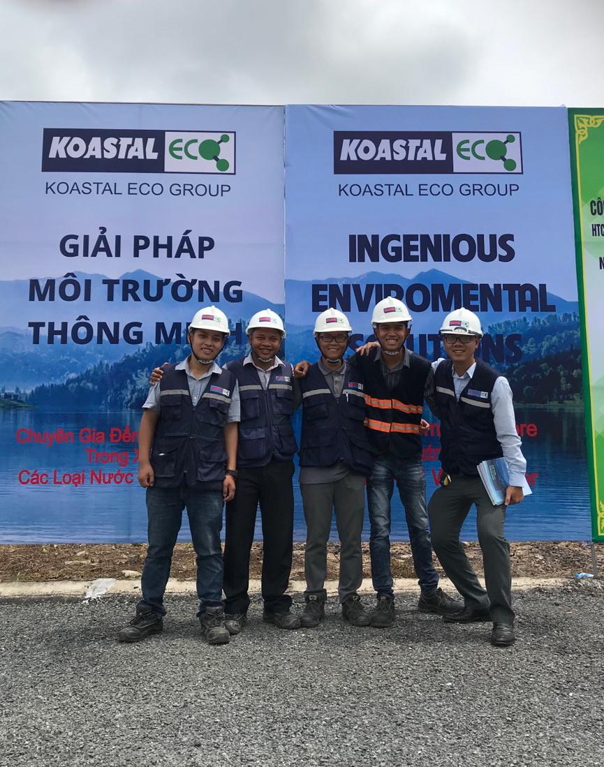 Koastal Eco Group chụp ảnh lưu niệm tại Lễ khánh thành Nhà máy Long Xuyên
